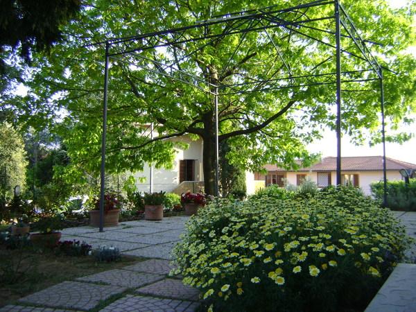 Foto progettazione di giardino di arch sara pizzo for Software di progettazione di edifici per la casa gratuito