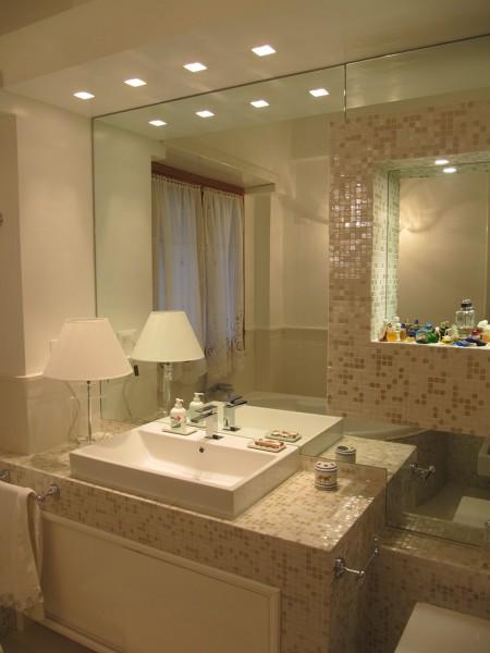 Il Mosaico E Gli Specchi.Foto Soluzione Bagno Con Mosaico E Specchi Di La Bottega Dell
