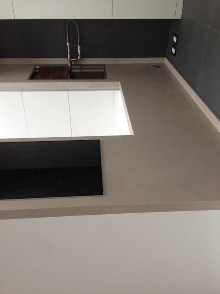 Foto: Piano lavoro Cucina di Rexinae Cemento E Resina #519632 ...