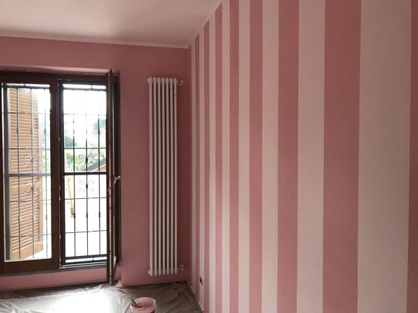 Pareti A Strisce Verticali : Foto parete con strisce verticali di colorteck habitissimo