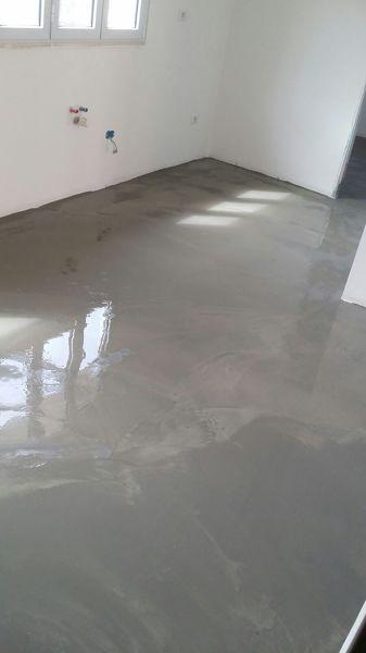Resina Grigia Pavimento.Foto Pavimento In Resina Grigio Cemento Di Impresa Ravizza
