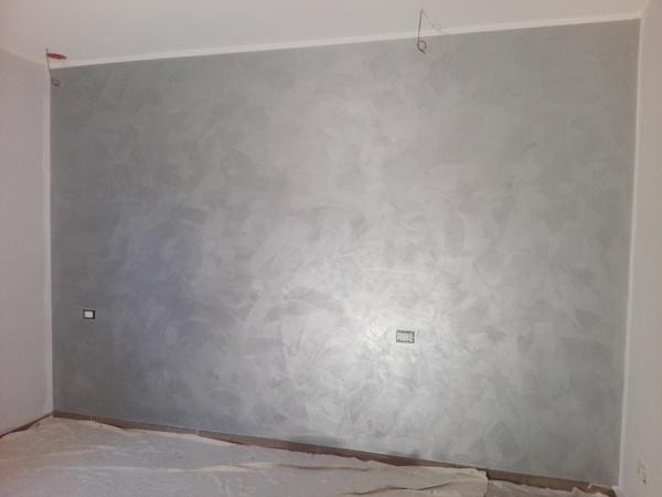 Foto pittura decorativa effetto metallizzato gioia di for Effetto spugnato pareti foto