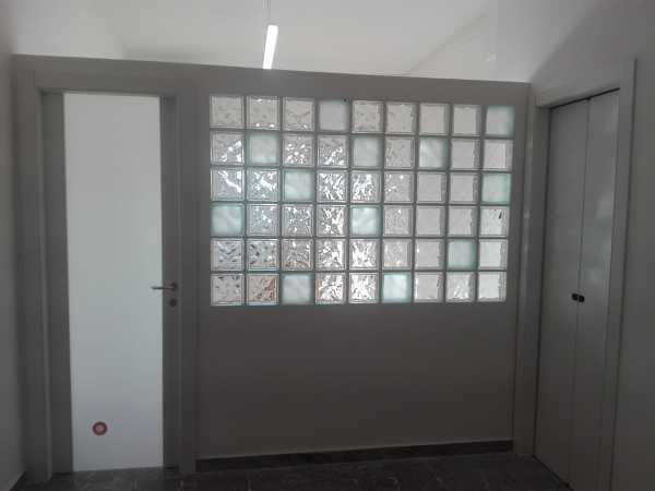 Vetrocemento con cartongesso vetrocemento e mattoncini di vetro
