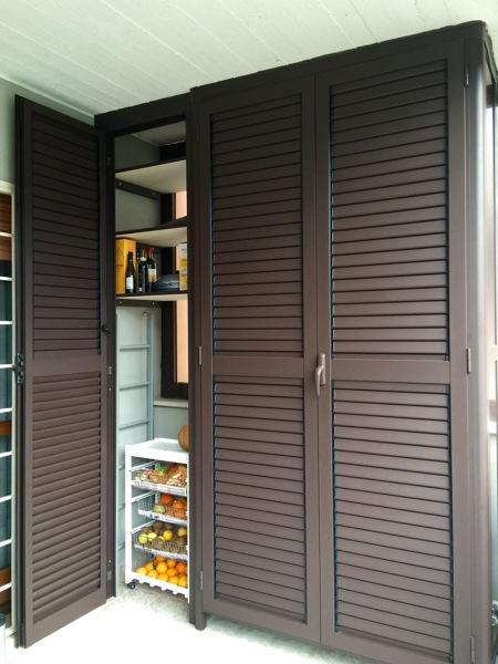 Foto armadio dispensa da esterno di fabio infissi 609880 for Armadio dispensa moderno
