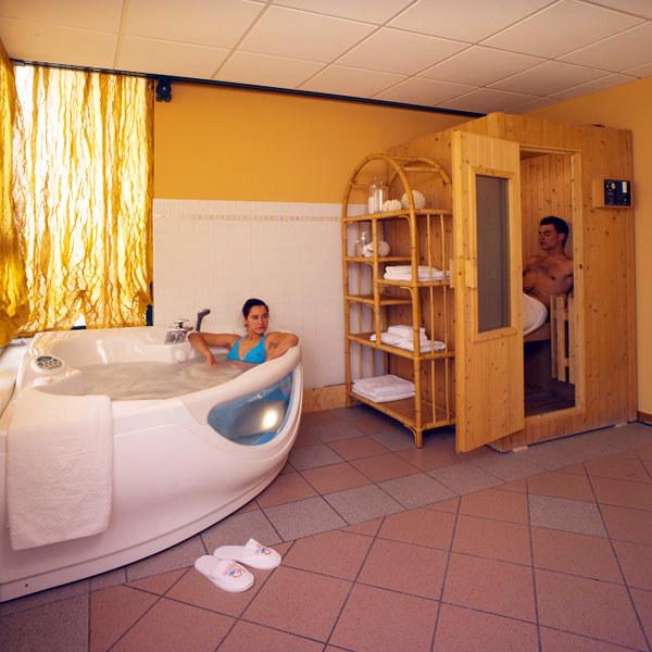 bagno turco e sauna bagno vapore lettino termale kundamiri di punto vitale