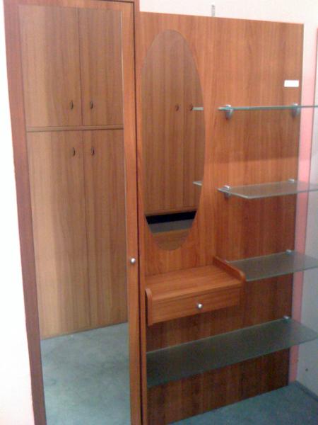 Foto vendita mobili usati traslochi de massimo sculco for Armadio usato lecce