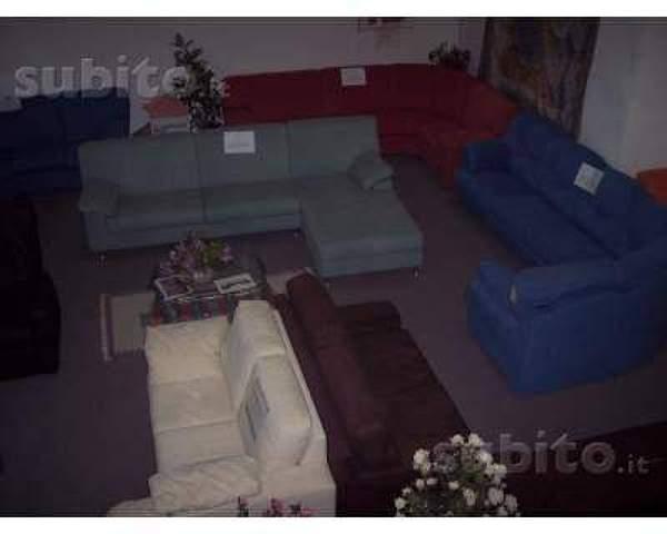 Foto liquidazione divani e poltrone di salotti duepi for Liquidazione mobili