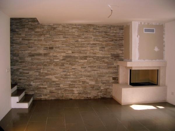 Idee e foto di arredamento a ponzano veneto treviso per for Pareti in pietra per interni foto