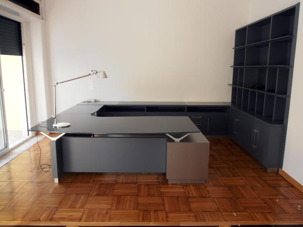 Foto mobili studio legale a napoli di stillegno for Arredamento uffici napoli