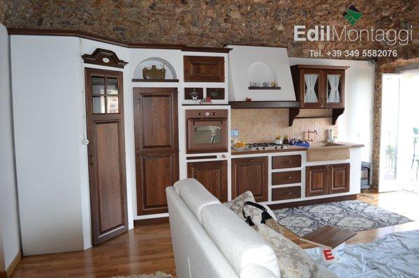 Foto montaggio cucina in finta muratura de edilmontaggi 194085 habitissimo - Cucina finta muratura ...