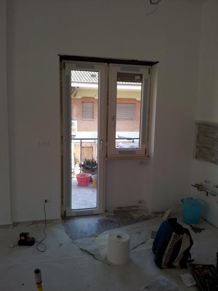 Foto montaggio finestra a bandiera pvc bianco di h al installazioni 151453 habitissimo - La finestra biz ...