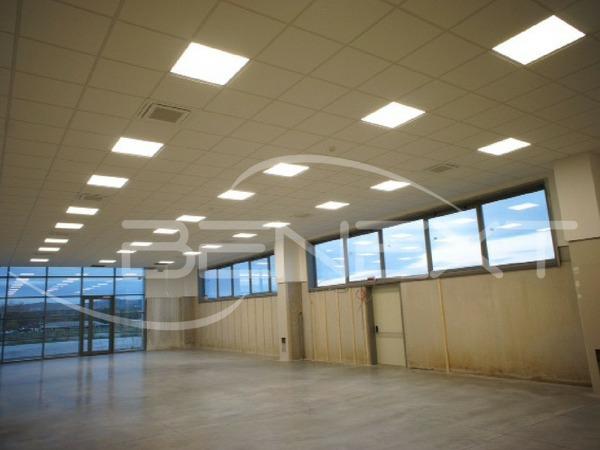 Foto progetto illuminazione led capannone industriale e uffici di