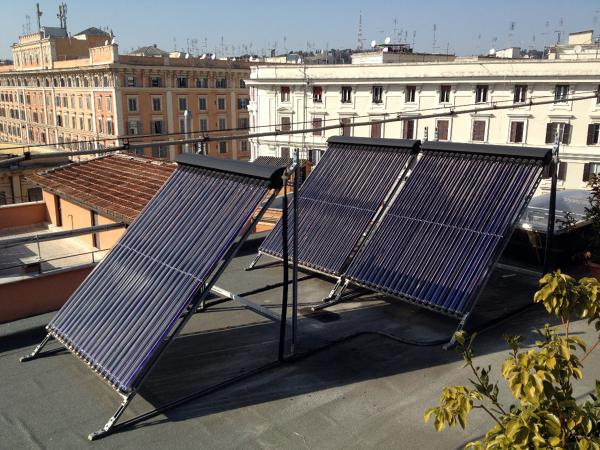 Foto pannello solare 2 di nastasi impianti tecnologici for Immagini pannello solare
