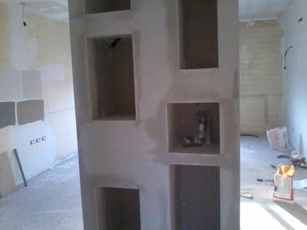 Foto parete a nicchie in cartongesso di decorgessi di - Costo specchio al mq ...