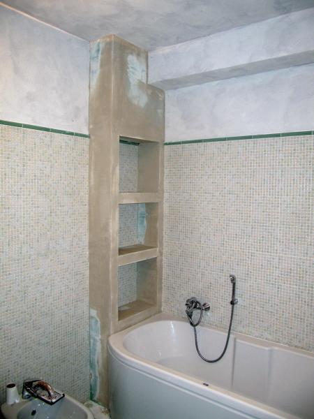 Foto parete attrezzata per bagno di naviganda s n c - Stufe elettriche a parete per bagno ...