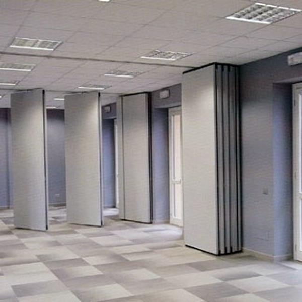 Foto parete divisoria manovrabile insonorizzata di prima for Pareti mobili da ufficio