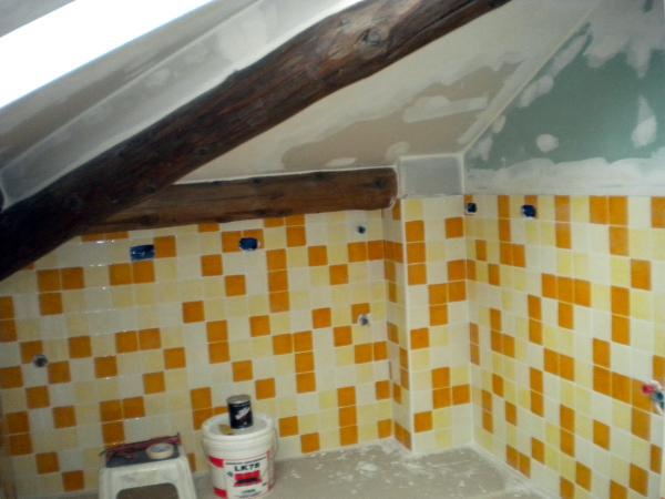 Foto pareti cartongesso rivestite con piastrelle per - Pareti per bagno ...