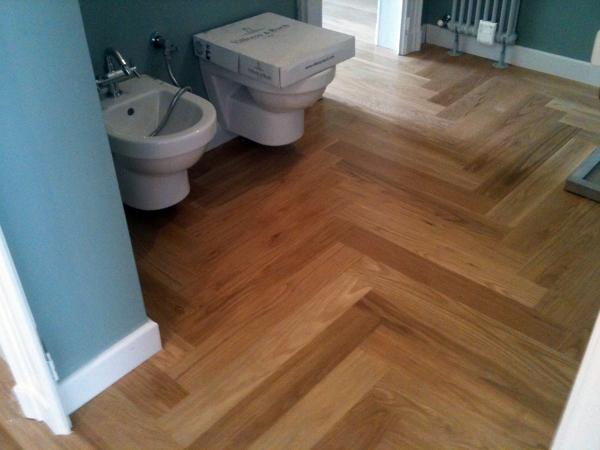 Foto parquet in bagno rovere di gargano palchetti 58947 - Pavimento in legno per bagno ...