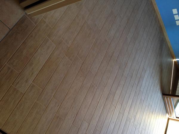 foto pavimento in ceramica finto parquet di edil prestige