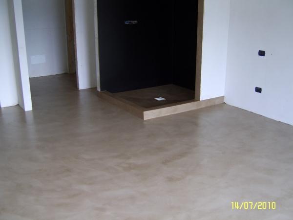Foto pavimento piatto doccia e interno doccia in resina - Piatto doccia incassato nel pavimento ...