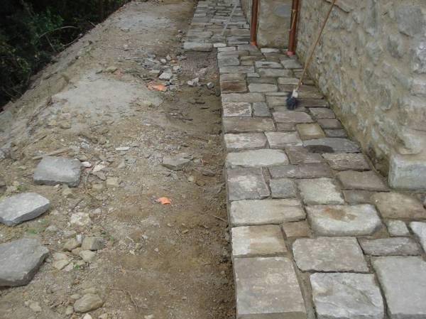 Foto marciapiede esterno in pietra di steven 39 s - Pavimenti in pietra per esterno ...