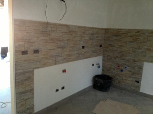 Foto piastrellatura per la cucina zappino costruzioni tel - Cucine piastrellate ...