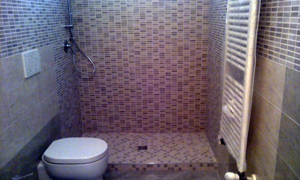 Foto piatto doccia a pavimento de ci ma 133340 habitissimo - Piatto doccia pavimento ...