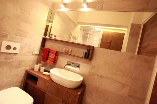 Foto piccolo appartamento bagno con mobili su misura di studio di architettura acrivoulis - Mobili bagno piccolo ...