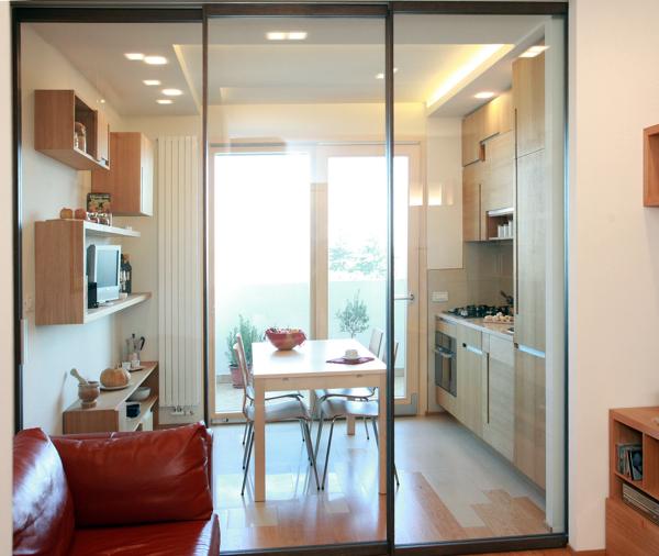 foto piccolo appartamento cucina pranzo versus soggiorno