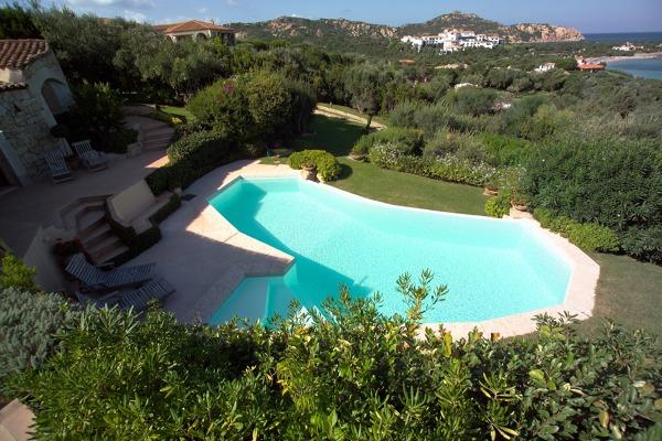 Foto piscina con bordo a cascata di sici piscine 148031 for Piscina con cascata