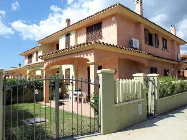 Foto pittura esterna con decori di edil2000dils 61106 - Pitturare casa esterno colori ...