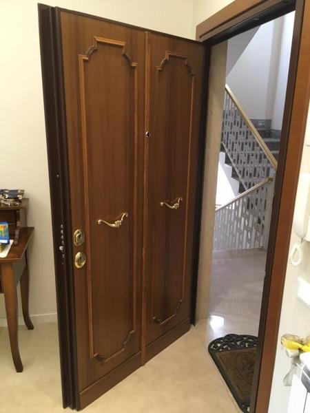 Foto: Porta Blindata da due Ante Ad Un\'anta (esterno) di Di ...