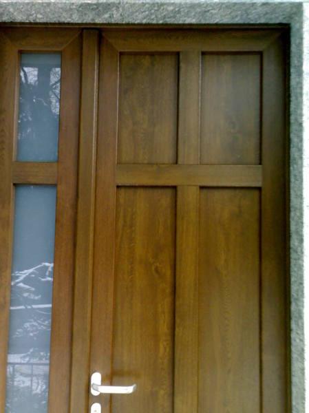 Foto porta ingresso pvc di dibinfissi srl 54196 - Cambiare serratura porta ingresso ...