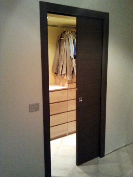 Foto porta scorrevole interno muro di tecnomontaggi e manutenzioni 52758 habitissimo - Porta scorrevole da interno ...