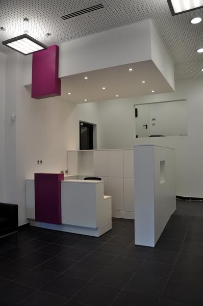 Bagni Moderni Brescia : Foto reception uffici genova e relativa tinteggiatura di