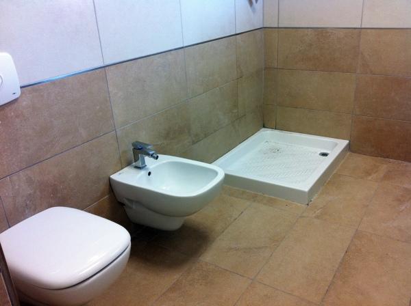 Foto rifacimento bagno di ristrutturare costruire i d c srl 49141 habitissimo - Rifacimento bagno detrazione 50 ...