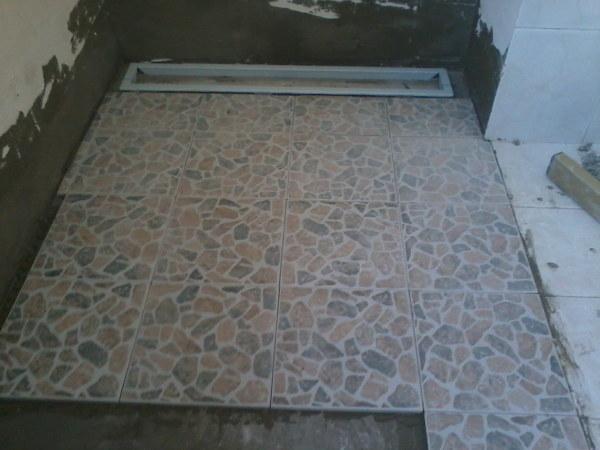 Foto rifacimento doccia senza piatto di decorgessi di sini silvano 181329 habitissimo - Cabina doccia senza piatto ...