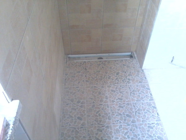 Foto rifacimento doccia senza piatto di decorgessi di sini silvano 181337 habitissimo - Cabina doccia senza piatto ...