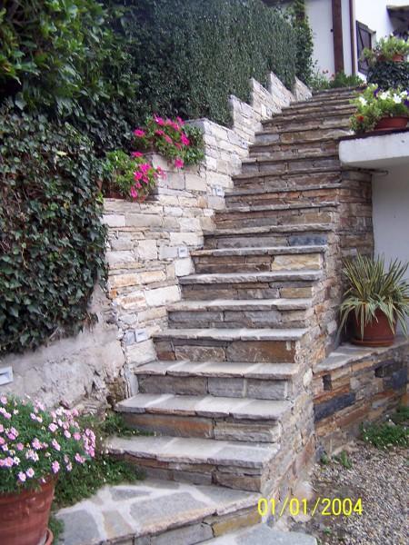 Foto scala in pietra di luserna a secco di alasia valter 149202 habitissimo - Scala da giardino ...
