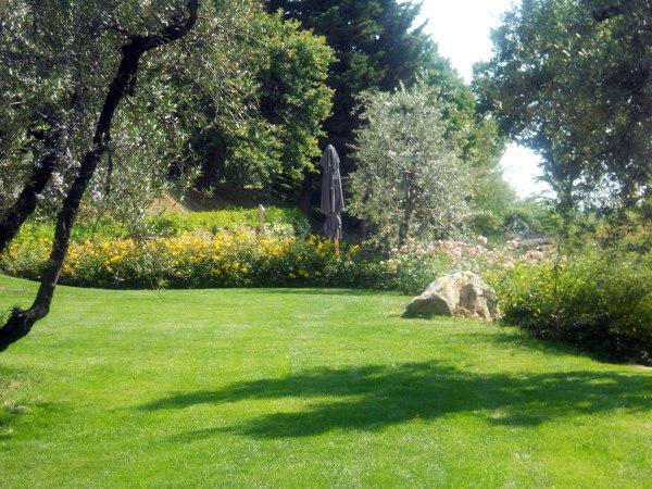Foto: scorcio di giardino di campagna di ciandri eugenio
