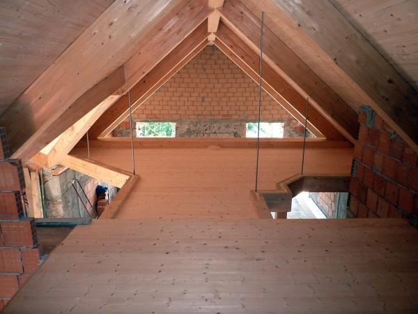foto soppalco e copertura in legno di galli legnami