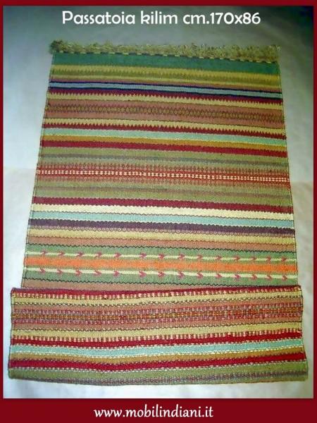 Foto tappeto etnico passatoia kilim di mobili etnici for Arredamento etnico bari