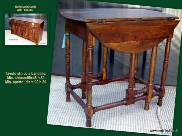 Foto tavolo etnico a consolle con bandelle di mobili for Arredamento etnico bari