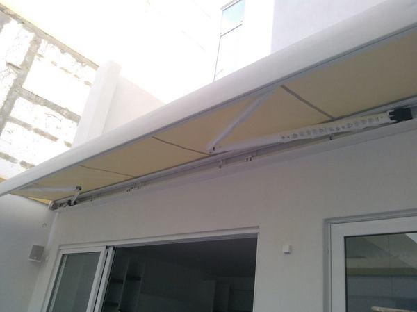 Foto: Tenda da Sole Gibus Modello D2 Cassonata su Barra Quadra di ...