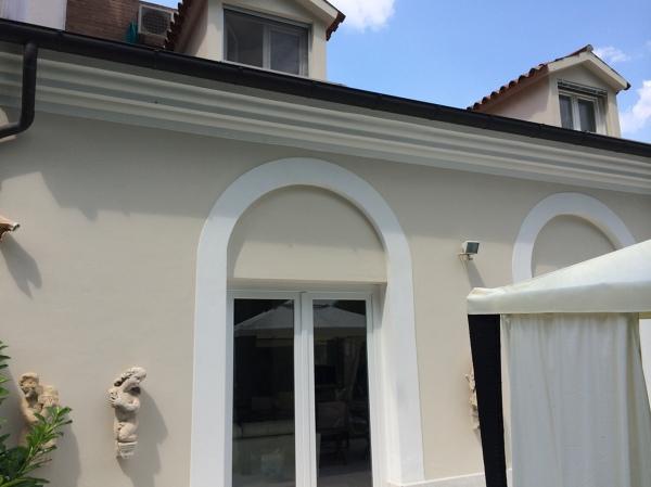 Foto tinteggiatura con pittura termoisolante x esterno di for Casa moderna tortora