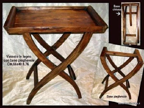 Foto vassoio etnico in legno con base pieghevole di for Arredamento etnico bari