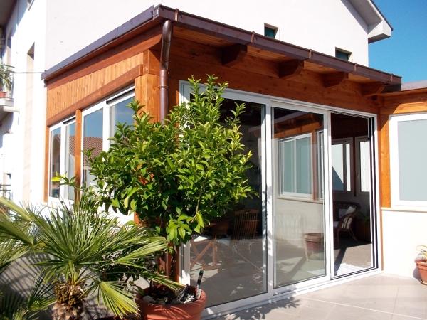 Foto veranda in legno e infissi di d 39 antonio esterni for Infissi esterni in legno