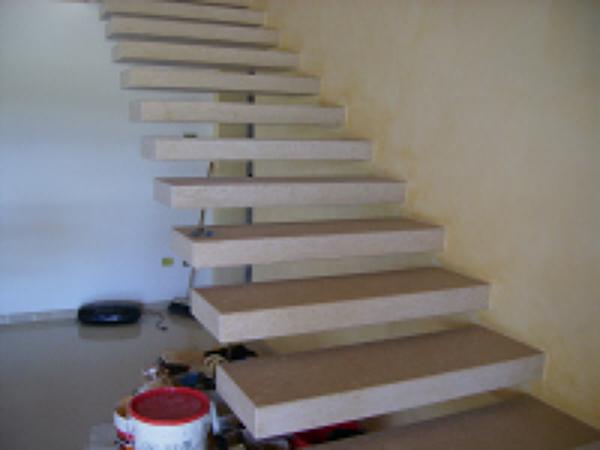 Foto scala marmo di vescovi vincenzo posa pavimenti for Marmi scala