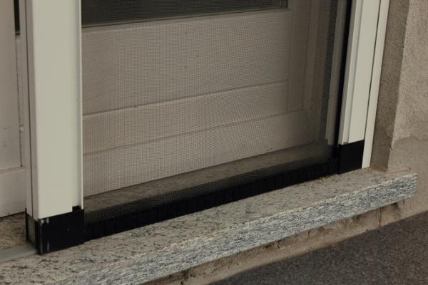 Foto zanzariera porta sicura di mgroup italia s r l - Zanzariera porta ...