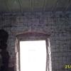 Muro box con umidità da ripristinare e imbiancare + rimozione crepe e imbiancatura zona limitata interna casa